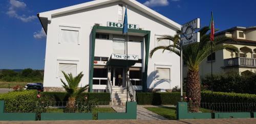 . Hotel Jorge V