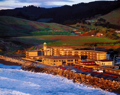 Pacifica Lighthouse Hotel Trademark Collection by Wyndham