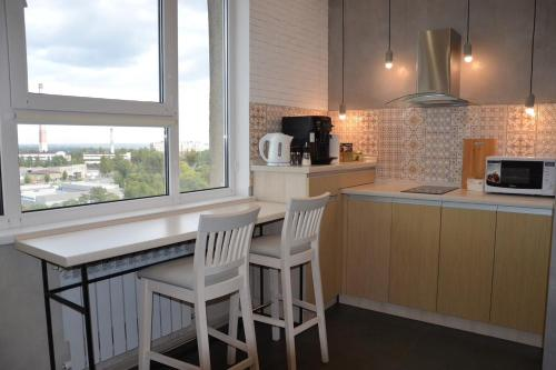. 2 BR apartment in new building downtown