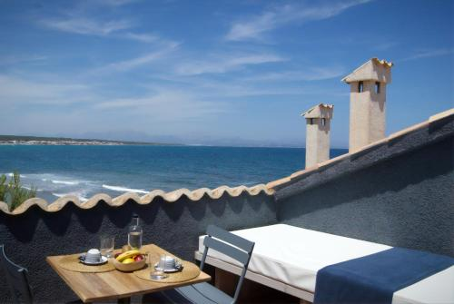 Double Room with Balcony and Sea View Hotel Es Blau Des Nord 2