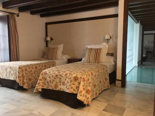 Suite Familiar Palacio San Bartolomé 1
