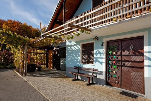 Zidanica Meglič - Vineyard cottage Meglič - Hotel - Trebnje