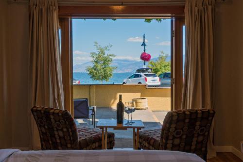 Crown Resort Motel - Photo 7 of 54