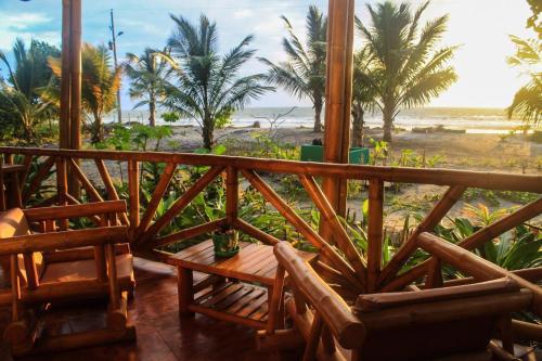 . Seaside Garden Lodge Mompiche