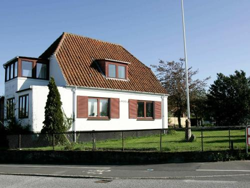 . Two-Bedroom Holiday home in Allinge 4