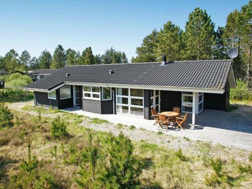 Three-Bedroom Holiday home in Ålbæk 26, Pension in Ålbæk