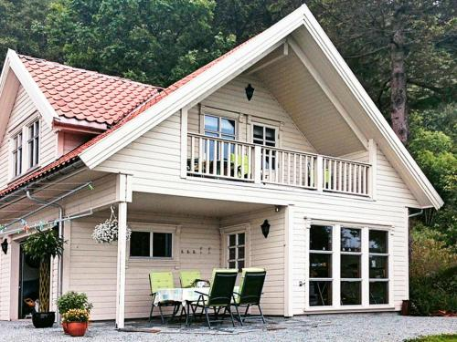 . Two-Bedroom Holiday home in Tau Norge