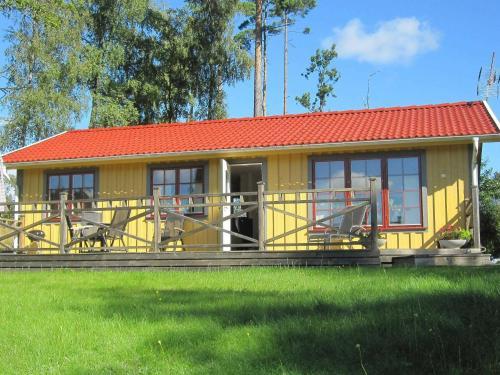 . Two-Bedroom Holiday home in Håcksvik 1