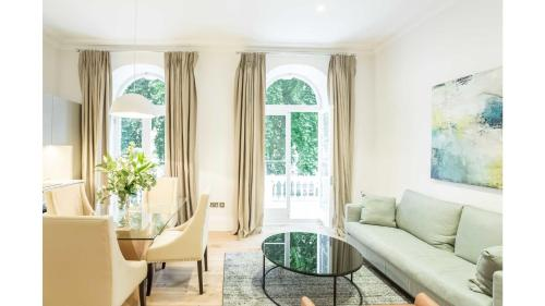 Royal Residence Elegant 2 Bedroom - Talbot