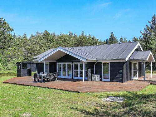 Four-Bedroom Holiday home in Ålbæk 7, Pension in Ålbæk
