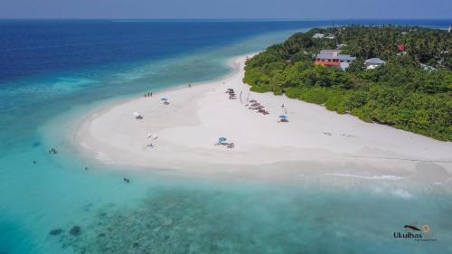 . Ukulhas Beach Inn