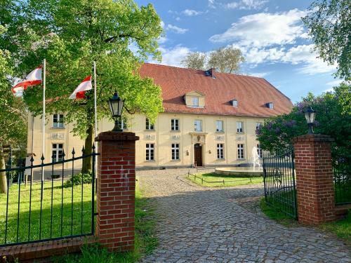Kasteel-overnachting met je hond in Schloss Diedersdorf - Diedersdorf