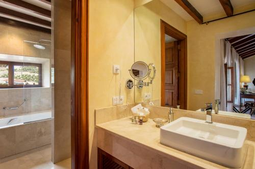 Junior Suite (2 Erwachsene) Hotel Valldemossa 5