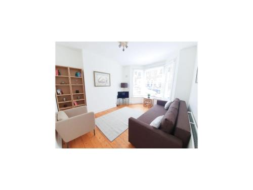 Lovely Flat In Residential Road In West Hampstead