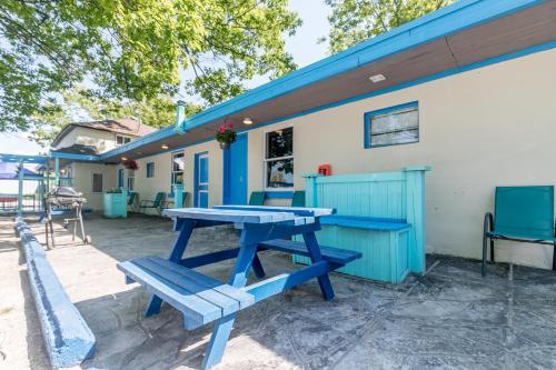 Beachfront At Beach1 Motel - Photo 2 of 41