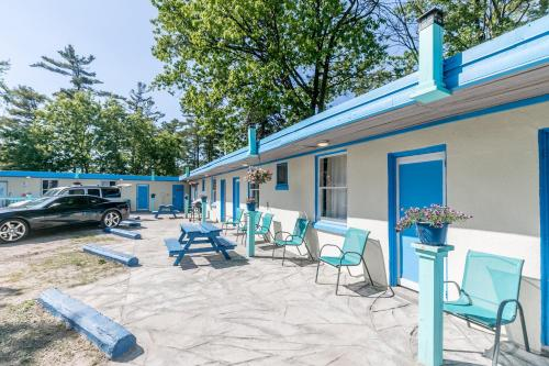 Beachfront At Beach1 Motel - Photo 4 of 41