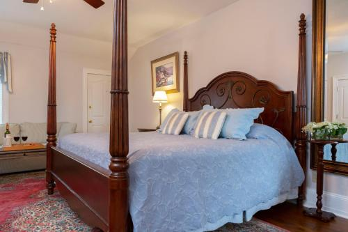 The Villa Bed and Breakfast - Accommodation - Westerly