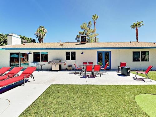 Contemporary Home Home Main image 2