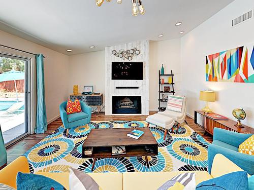Contemporary Home Home Main image 1