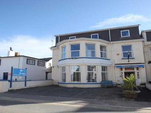 Seascape Lodge, Porth, Cornwall