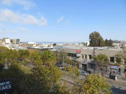 Perramont Hotel - San Francisco, CA 94114
