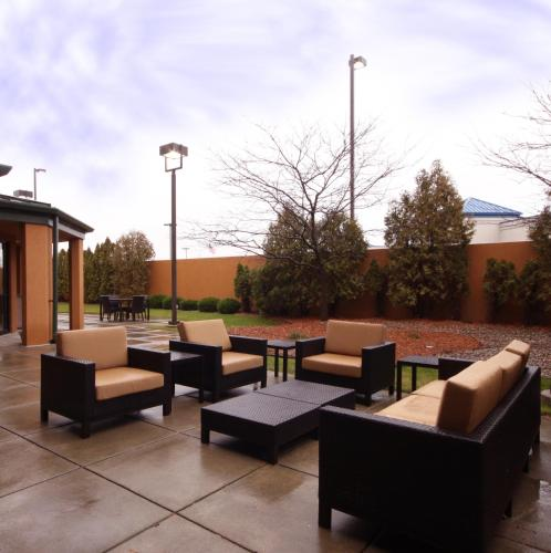 Photo - Courtyard by Marriott Flint
