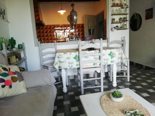 CAN CACTUS GARRIGUELLA - Apartment - Garriguella