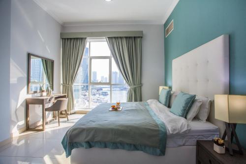 Luxury Marina Waterview Family Apartment, Dubai Marina