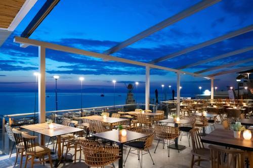 . Sea Level Hotel