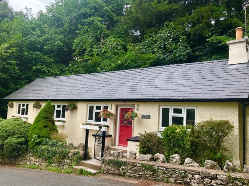 Hampsfell Cottage, quaint and comfy by the Lake District