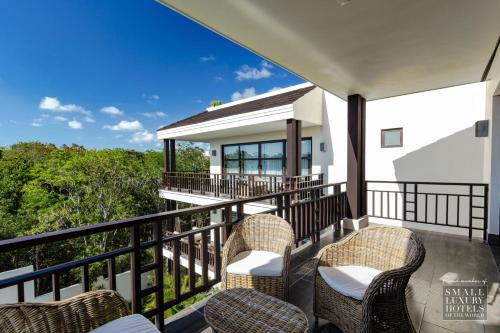 PH 2 Bedroom Suite with Pool & Terrace