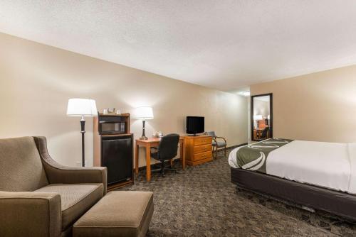 Photo - Quality Inn & Suites