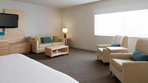 Delta Hotels By Marriott Prince Edward - Photo 3 of 61