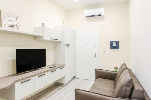 . Bari Centrale Railway Station Apartment