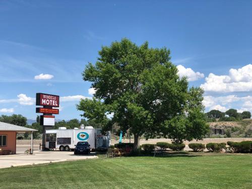 . Wheels Motel