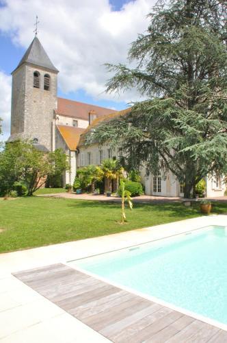 . Le Prieuré Saint Agnan