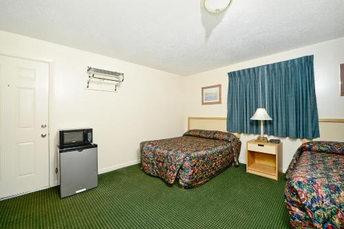 Best Way Inn - Middlefield, CT 06455