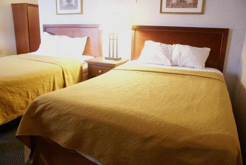 The Palace Hotel - Keasbey, NJ 08863