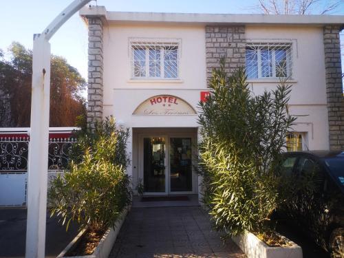 Hotel les Troenes - Hôtel - Montpellier