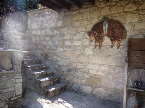 Oleander Stone House - Photo 7 of 26