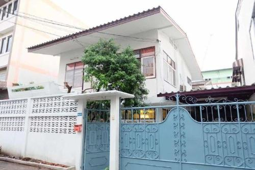 Miss jing hostel bangkok Miss jing hostel bangkok
