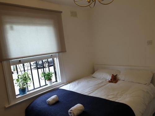 76B Gillespie Road Apartment