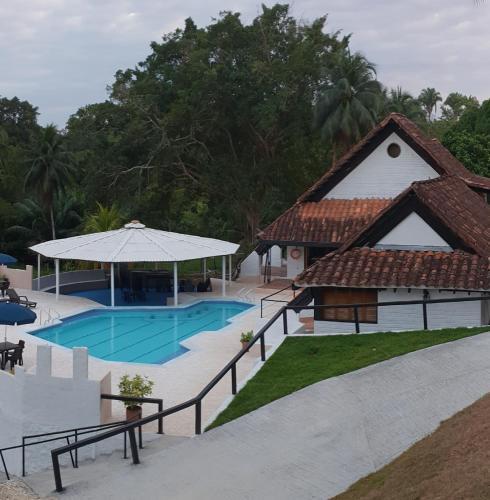 . Hotel Campestre El Refugio