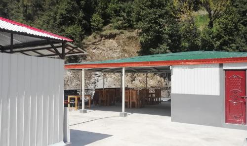 Midway Lodges Neelum Valley, Azad Kashmir