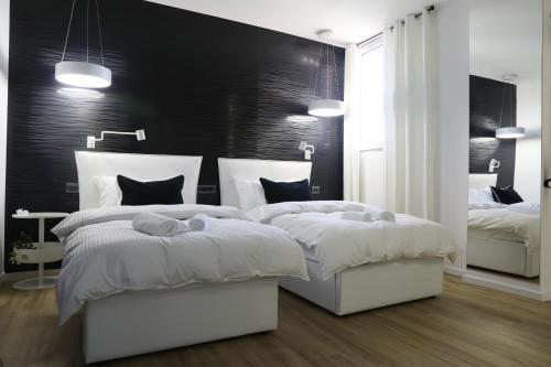 TiranaTOP Suites 3 1000 ft2 (80m² 2bdr+2bthr+living/Kitchen)