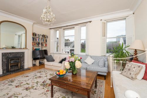Panoramic Family Home In Maida Vale