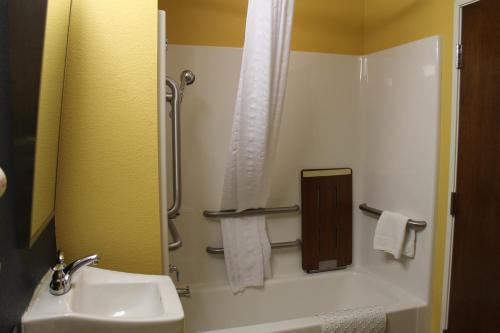 Microtel Inn & Suites - Kearney
