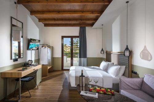 . Petousis Hotel & Suites