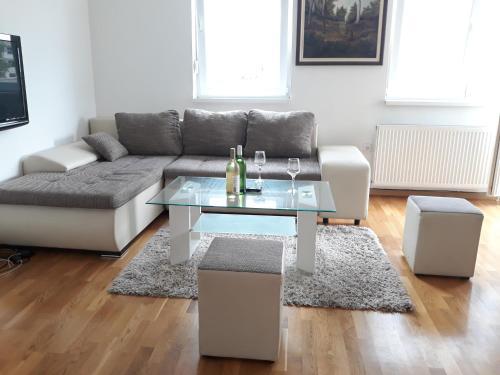 Dalmatinska 16 Apartman In Novi Sad Serbia Reviews