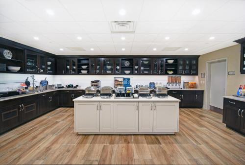 Homewood Suites by Hilton Denver International Airport - Denver, CO CO 80239